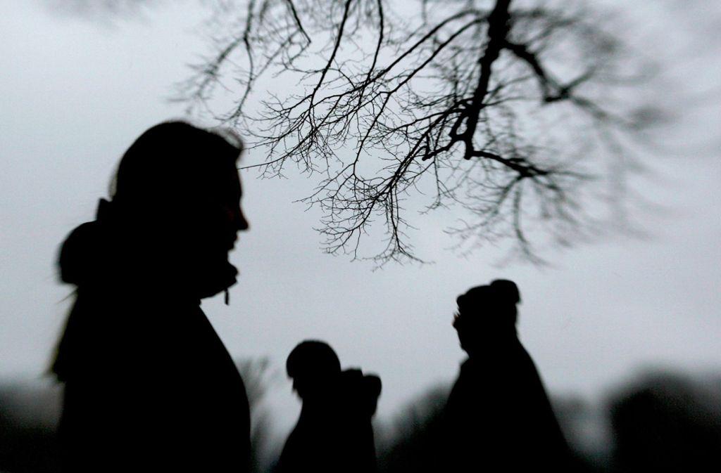 Grauer Himmel und fehlendes Sonnenlicht im Winter lösen bei vielen Menschen Depressionen aus. Foto: dpa