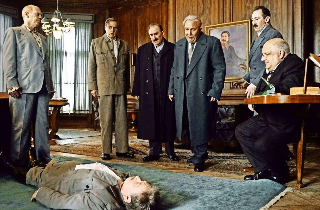 Einen Arzt rufen oder nicht? Noch ist Stalin nicht ganz tot... Foto: Verleih