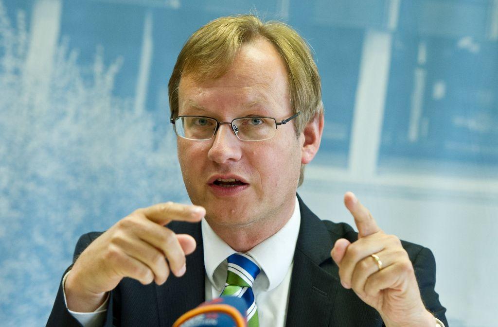 Johannes Schmalzl bei einer Landespressekonferenz im Jahr 2013. Foto: dpa