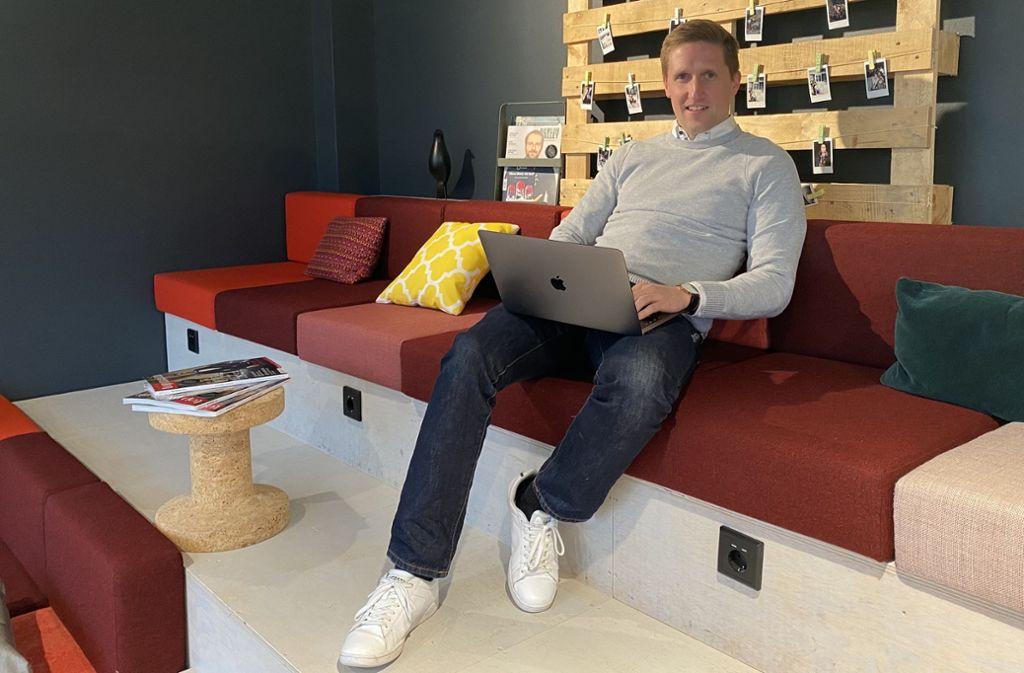 Simon Baumgärtner  ist auch während der Corona-Krise durchgehend ins Co-Working-Büro gegangen. Foto: Fabian Stetzler