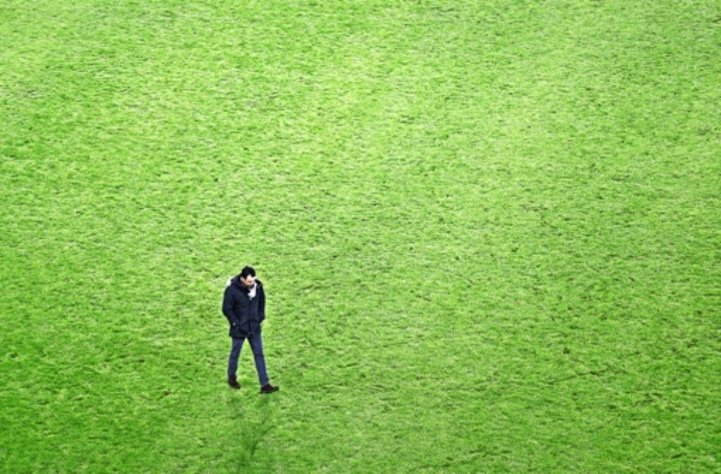 Der VfB-Manager Robin Dutt braucht Ruhe und Abstand, um die Trainerfrage zu beantworten. Wir zeigen drei aussichtsreiche Kandidaten in der Bilderstrecke. Foto: Baumann