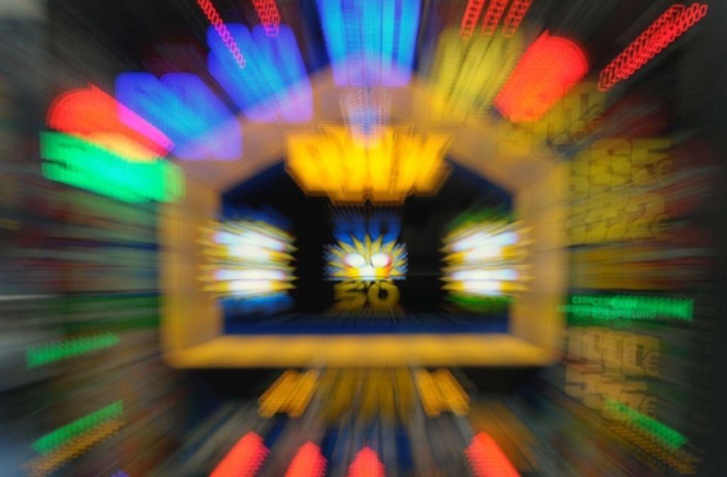 Die Fälle von Spielsucht steigen – Experten suchen nach Mitteln und Wegen, Menschen, die vom Glücksspiel abhängig sind, vor sich selbst zu schützen. Foto: dpa