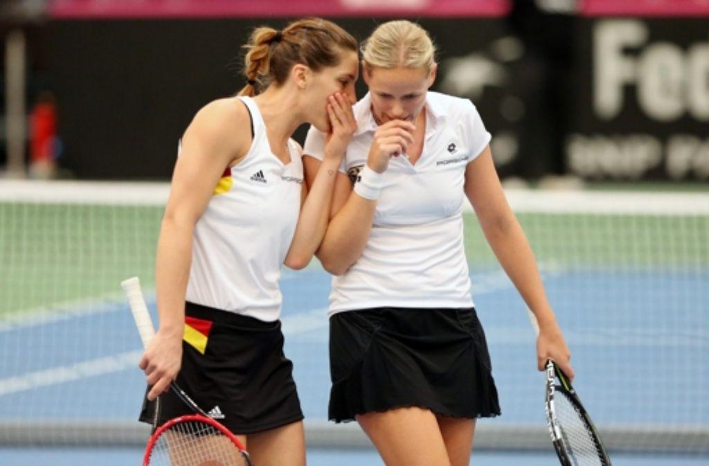 Mussten sich im Doppel geschlagen geben: Andrea Petkovic (li.) und Anna-Lena Grönefeld Foto: dpa-Zentralbild
