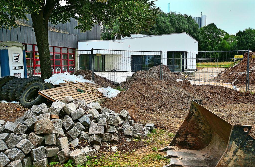 Im August 2013 wurde das Zentrum Zell abgerissen. Jetzt sollen auf dieser  Fläche  möglichst bald 70 Sozialwohnungen gebaut werden Foto: Horst Rudel