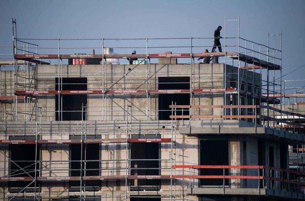 Zuletzt ging die Zahl der Baugenehmigungen zurück. (Symbolbild) Foto: dpa
