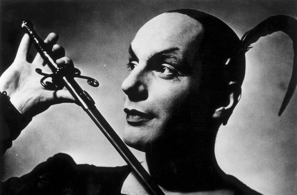 """Die Zeit der Sprech-Virtuosen wie Gustaf Gründgens ist vorbei – unsere Aufnahme zeigt ihn als Mephisto in Goethes """"Faust"""", 1941. Foto: dpa"""