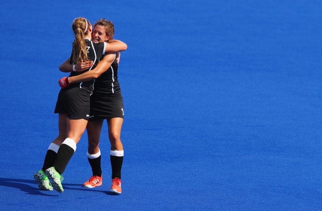 Freudentränen bei Nike Lorenz und  Janne Muller-Wieland nach dem Spiel um Bronze. Foto: Getty Images South America