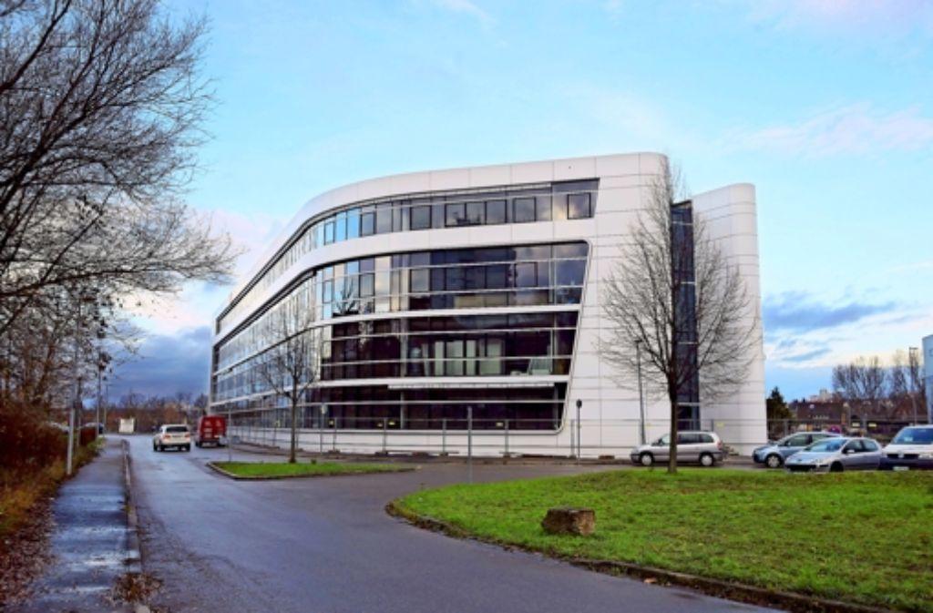 Auch die Bil-Schule in Stuttgart (hier der Neubau)  gilt als Gülen-nah. Foto: Achim Zweygarth