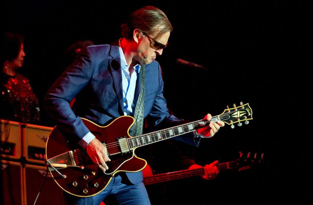 Lauter Gitarrenklassiker, deren Charakteristik man hören konnte, hat Joe Bonamassa am Samstagabend in der Porsche-Arena gespielt Foto: Lichtgut